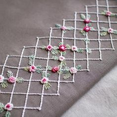 Wonderful Ribbon Embroidery Flowers by Hand Ideas. Enchanting Ribbon Embroidery Flowers by Hand Ideas. Hand Embroidery Patterns Flowers, Hand Embroidery Videos, Hand Work Embroidery, Embroidery Flowers Pattern, Hand Embroidery Stitches, Silk Ribbon Embroidery, Embroidery For Beginners, Hand Embroidery Designs, Machine Embroidery