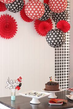 Minimalist First Birthday Party! MIckey Mouse Themed First Birthday party with simple decor and mickey mouse inspired treats.