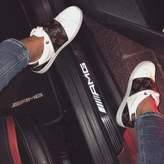 Discover recipes, home ideas, style inspiration and other ideas to try. Louis Vuitton Sneakers Women, Louis Vuitton Trainers, Louis Vuitton Slides, Sneakers Mode, Sneakers Fashion, Fashion Shoes, Louis Shoes, Givenchy Sneakers, Hype Shoes