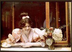 Maurice Rambert-Jeune fille a la fenetre