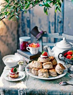 Afternoon tea scones are a quintessential part of British culture. Learn how to make the best scones using some of our favorite tried and tested scone recipe, and how to serve them with a lovely cu… Afternoon Tea Scones, Afternoon Tea Parties, Breakfast And Brunch, Tea Recipes, Sweet Recipes, Scone Recipes, Recipies, Vegan Teas, Cream Scones