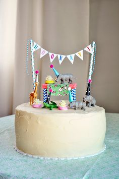 What's Up with The Buells: ELLIS & FINN'S BIRTHDAY / EASTER #birthdaycake #animalsinpartyhats #kidsbirthday