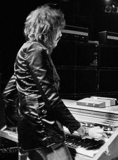 Deep Purple Jon Lord, Hammond Organ, Famous Singers, Deep Purple, Rock N Roll, Heavy Metal, Banners, Musicians, Spiritual