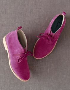 I've spotted this @BodenClothing Desert Boot Fuchsia