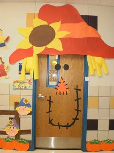 classroom doors | Classroom door decorated as scarecrow