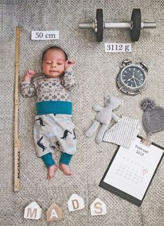 tipps_babyshooting_diy_fotos_geburt naissance part naissance bebe faire part felicitation baby boy clothes girl tips Newborn Baby Photography, Newborn Photos, Birth Photos, Birth Photography, Family Photography, Mom And Baby, Baby Kids, Baby Baby, Baby Shooting