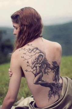 OMG!! This is exactly what I have been picturing for my arm!!! AHHH!!!! Just a little more mermaid and I FOUND IT!!! YAY!!