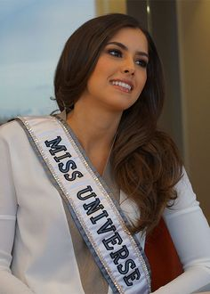 Miss Universe Paulina Vega Will Not Give up Crown Despite Donald Trump Row Read… American Beauty Standards, Pageant Sashes, Miss Universe 2014, Miss Colombia, Blonde Curly Hair, Actress Anushka, Beauty Around The World, Beauty Pageant, Beauty Queens
