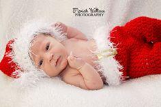 ©Mariah Wallace Photography - Newborn Photography #mariahwallacephotography #newbornphotography  #christmasphotography #newborn #christmas