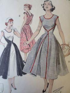 Vintage Butterick 6015 Sewing Pattern 1950s door sewbettyanddot