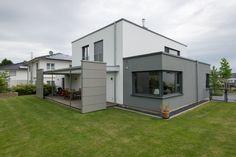 Fassadenfarbe einfamilienhaus  Ein modernes Einfamilienhaus. #KOLORAT #Wohnideen #Architektur ...