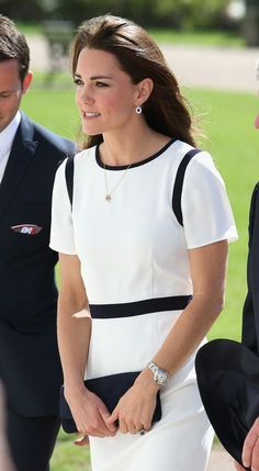 Kate Middleton Photos - Catherine, Duchess of Cambridge visits the National Maritime Museum in Greenwich for the Ben Ainslie America's Cup Launch on June 2014 in London, England. - Kate Middleton Visits the National Maritime Museum Estilo Kate Middleton, Kate Middleton Photos, Kate Middleton Style, Princesa Kate Middleton, Hollywood Fashion, Royal Fashion, Principe William Y Kate, Herzogin Von Cambridge, Reine Victoria