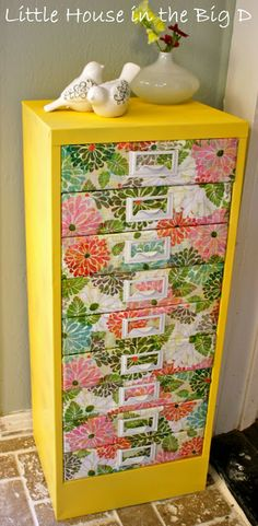 I am so doing this.  http://www.littlehouseinthebigd.com/2012/03/spring-time-storage.html