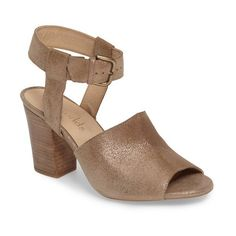 Women's Five Worlds Clarita Sandal (580 BRL) ❤ liked on Polyvore featuring shoes, sandals, brushed gold leather, block heel shoes, leather shoes, metallic leather shoes, leather footwear and metallic shoes