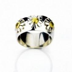 'daisies' ring sterling silver & 18K gold plate size N: Amazon.co.uk: Jewellery Daisy Jewellery, Daisy Love, Daisies, Madness, 18k Gold, Jewlery, Sterling Silver Rings, Plate, Amazon