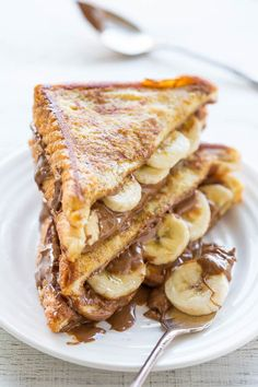 Pin for Later: 21 Delicious Peanut Butter Desserts the Entire Family Will Go Nuts For Chocolate Peanut Butter Banana Stuffed French Toast Who says that french toast is only for breakfast? Serve up a slice of this delicious concoction for dessert — your kids will thank you.