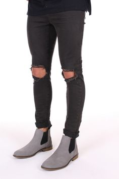 The Chelsea Boot Grey Tomboy Outfits, Men's Outfits, Grey Boots Outfit, Caterpillar Shoes, Gentleman Shoes, Ugg Boots, Jeans And Boots, Chelsea Boots, Men's Shoes