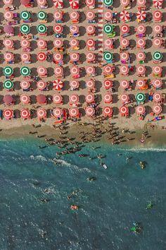 Aerial Views Adria par Bernhard Lang - Journal du Design