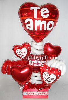 Arreglo con globos de amor para regalar en San Valentín