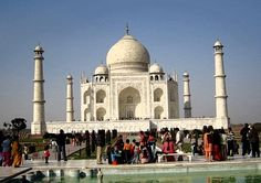 Taj Mahal (and India). this would be exceptionally astounding to see in person! Taj Mahal Image, Humble House, Online Travel Agent, Beautiful Buildings, India Travel, Places To See, Travel Photos, Travel Destinations, Most Beautiful