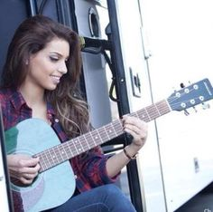 Tal || She Looks So Pretty In This Photo!