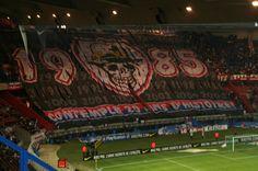 [Supporters] Les plus beaux tifos de Boulogne - Forum - Communauté Psg, Ultras Football, Prince, Paris Saint, Saint Germain, Baseball Field, Soccer, Barbell, 20 Years Old