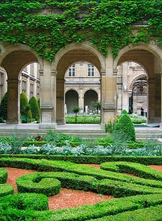 paris: the fantastic gardens in le marais #MyTripAdvice