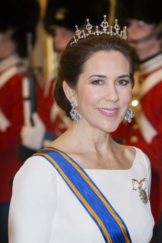 Crown Princess Mary wore the same gorgeous white dress that she also wore for the new year banquet at Amalienborg Palace on January 2nd.