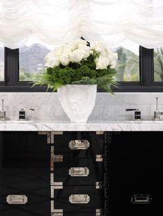 La Dolce Vita: Luxury Bathroom Design by Jamie Herzlinger Bad Inspiration, Bathroom Inspiration, Bathroom Ideas, Bathroom Pictures, Bathroom Interior, Kitchen Interior, Bathroom Cabinetry, Bathroom Vanities, Sinks