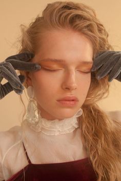 'Lustrous Allure' A fashion story by Josefin Malmén & Emanuela Ippolito for metalmagazine.eu