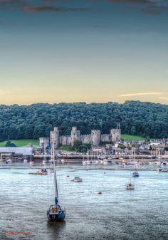 Sunrise Castle - Conwy North Wales North Wales, San Francisco Skyline, United Kingdom, New York Skyline, Sunrise, Castle, The Unit, Travel, Viajes