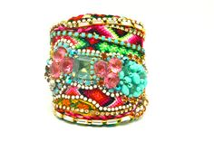 Custom Diamonds are a Girls Best Friendship Cuff par DolorisPetunia, $500.00