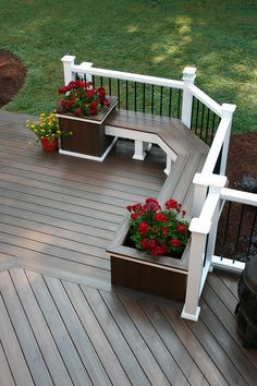 Deck : Medium Color Decking with White Railing :What Deck Builders Do is Artistry │ Fiberon