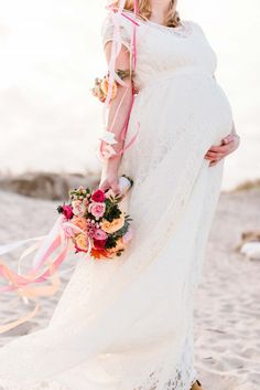 In freudiger Erwartung an der Nordsee Wedding Shoot, Wedding Dresses, Boho, Maternity Dresses, Beach, Bridesmaids, Summer, Ocean, Trends