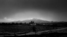 https://flic.kr/p/DicKZY | Live Volcanoes on the Way to Puebla (Puebla, México. Gustavo Thomas © 2016) | Live Volcanoes on the Way to Puebla (Puebla, México. Gustavo Thomas © 2016)  That was the view from the bus on my way to Puebla city from Mexico City.