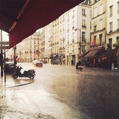 paris in the rain by @parisinfourmonths