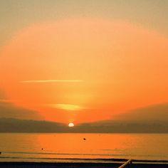Amanecer en la playa norte de Peñíscola.