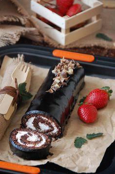 Bizcocho de chocolate con nata y mermelada de fresas. Mi versión del tigrtón by Loleta.es