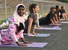 LADIES! Squat Form: Woman-Specific Training  :D