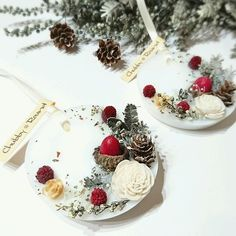 X'masなサシェ Christmas Time, Xmas, Candle Art, Wax Tarts, Scented Wax, Diy Candles, Flower Crafts, Candle Making, Dried Flowers