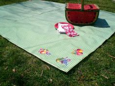 Oilcloth Addict - Feeding your Oilcloth Addiction with tips and tutorials with Modern June: oilcloth picnic mat tutorial