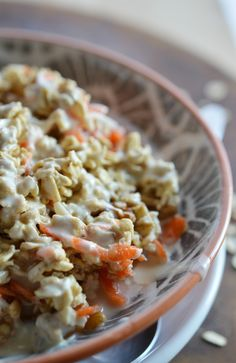 Carrot Cake Overnight Oats Recipe - This no-cook oatmeal is a fantastic healthy and easy breakfast! #MyOatsCreation #spon