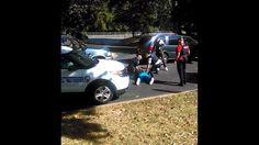 Charlotte (EEUU), 23 sep (EFE).- La viuda de Keith Lamont Scott, un hombre negro de 43 años que murió el martes tras recibir varios disparos de un policía de Charlotte (EE.UU.), publicó hoy un vídeo en el que se la ve pidiendo a los agentes que no disparen contra su esposo pues, según dice, estaba desarmado