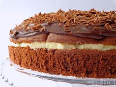 Többségében hagyományos, egyszerűen elkészíthető magyar ételek és sütemények receptjei magyarul, magyar konyhából.