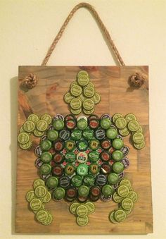Tipsy Turtle by TheTipsyTiger on Etsy Beer Bottle Top Crafts, Beer Cap Crafts, Bottle Cap Projects, Beer Bottle Caps, Bottle Cap Art, Beer Caps, Diy Bottle, Beer Bottles, Beer Cap Art