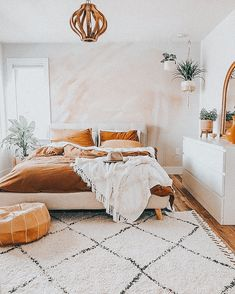not my pic !! just edited by me ☻︎ #room #roomdecor #aesthetic #aestheticdecor #aestheticbedroom #dreamroom #decor #roomaesthetic Cute Bedroom Ideas, Cute Room Decor, Room Ideas Bedroom, Small Room Bedroom, Home Decor Bedroom, Airy Bedroom, Bedroom Inspo, Dream Bedroom, Aesthetic Room Decor