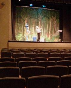 El amor por el teatro de este actor fue más allá de la audiencia. El italiano Giovanni Mongiano, llegó hasta el Teatro del Popolo de Gallarte, en Lombardía, como cualquier otra noche a realizar su monólogo. Y aunque no se vendió ninguna entrada y la sala permaneció completamente vacía, el actor no dio su brazo …
