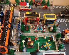 Lego Creator, The Creator, City Layout, Lego Building, Lego City, Legos, Lego Moc, Holiday Decor, Awesome