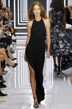 Versus Versace Spring 2016 Ready-to-Wear Collection Photos - Vogue