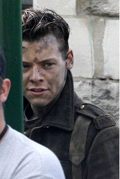 One Direction's Harry Styles doesn't die in Dunkirk as he films Victory Parade  - Sugarscape.com